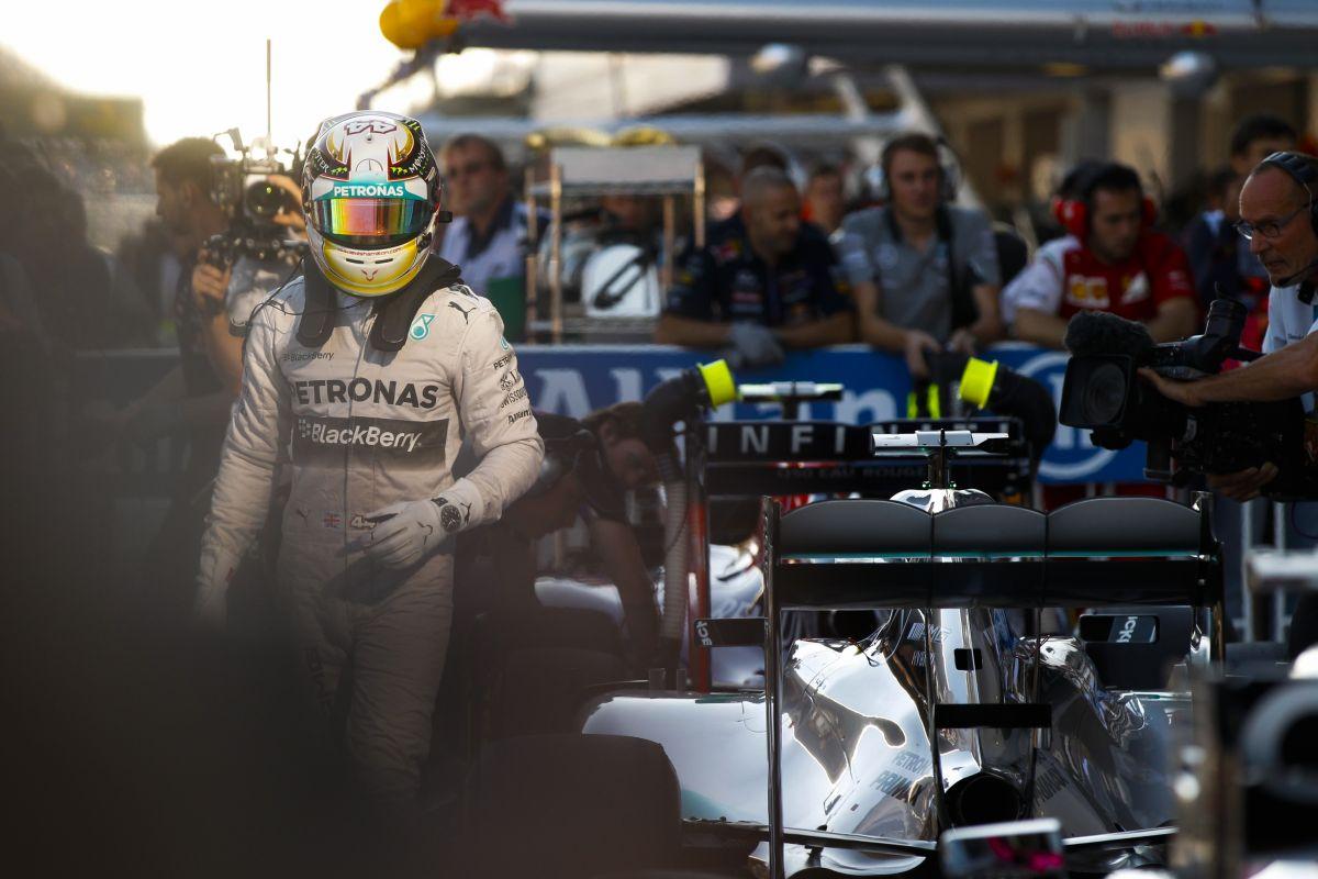 A Mercedes hibázott Szingapúrban - más a helyzet, mint a Hondánál vagy a Ferrarinál