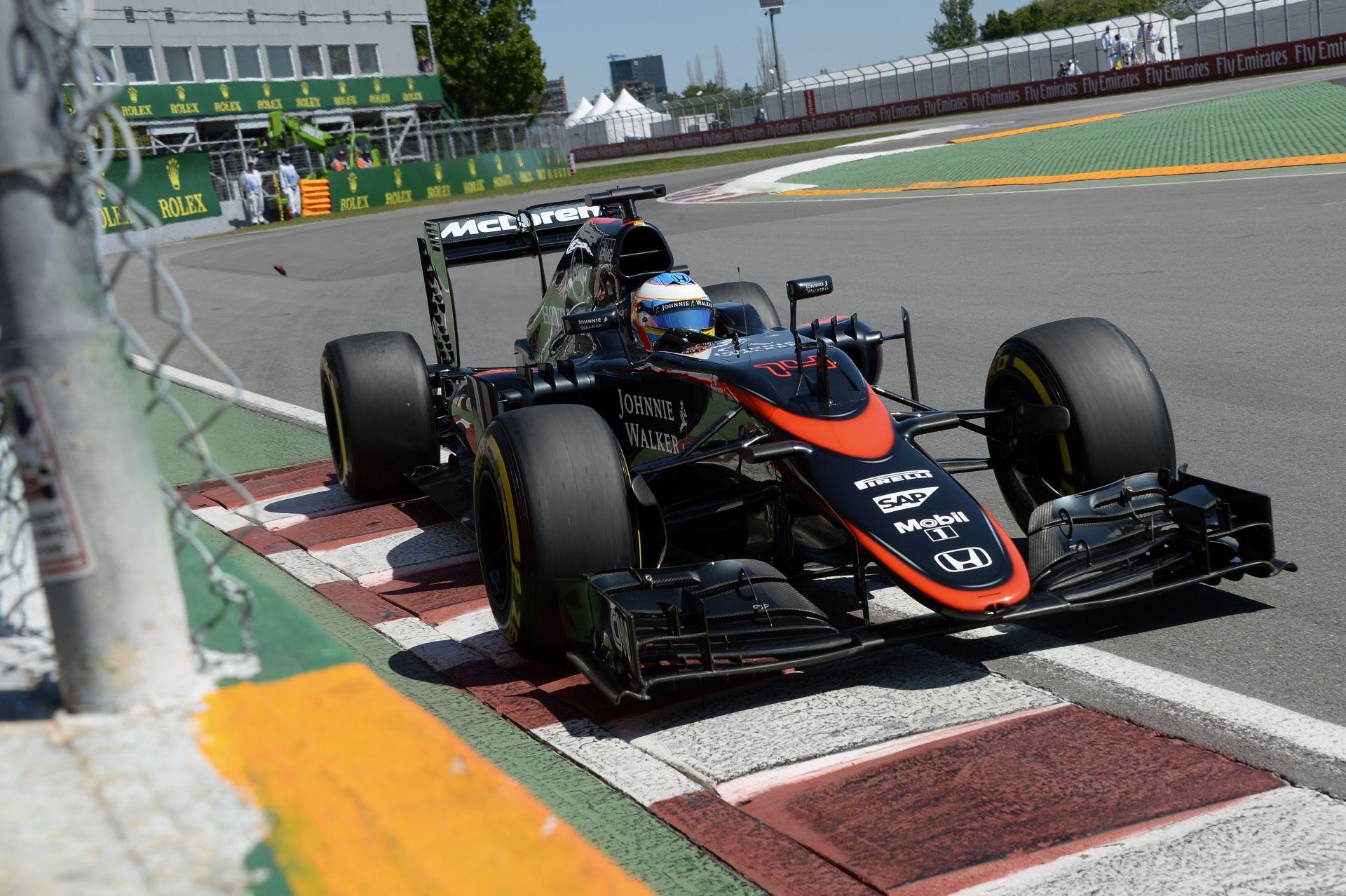 Alonso a McLaren-Honda szégyenteljes teljesítménye ellenére maradni akar