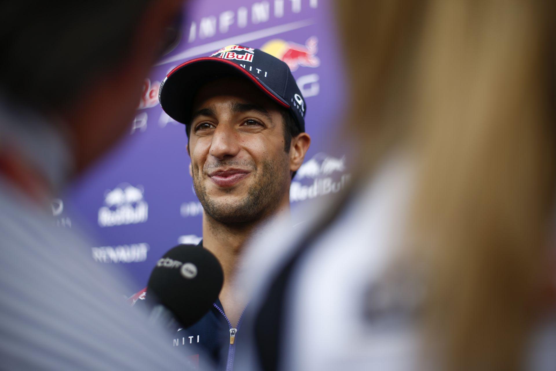 Ricciardo: Túl messze van a Mercedes