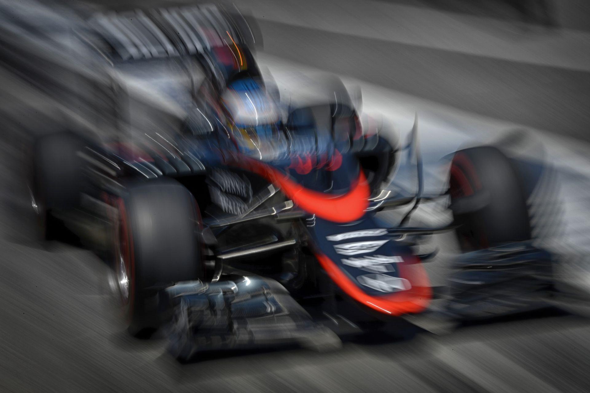 Valami nagyon nem stimmel a McLaren-Hondánál