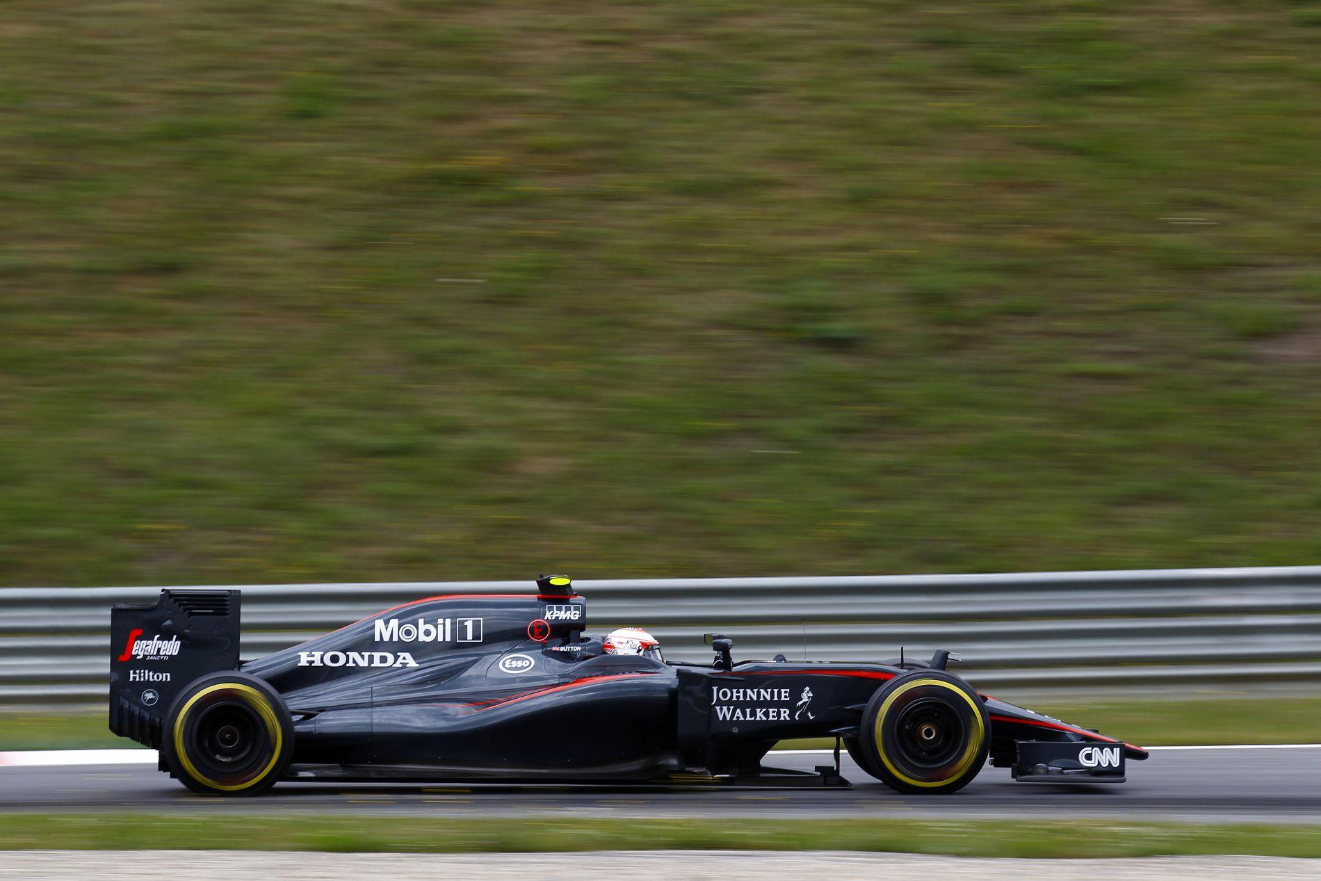 Biztonsági autó kell a McLarennek, hogy versenyben lehessenek vasárnap