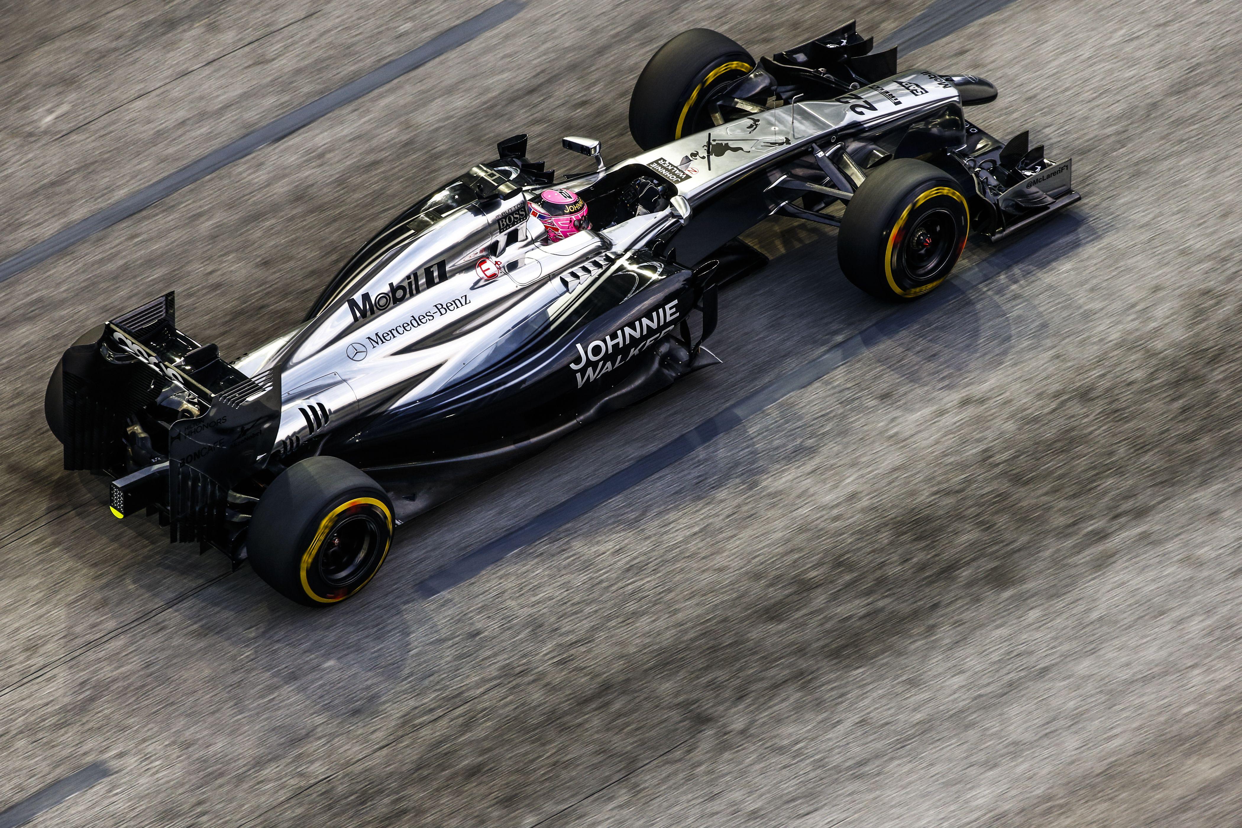 Button: Világbajnokként egy versenyképes autót akarok vezetni, máskülönben nincs értelme folytatnom