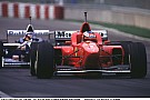 Michael Schumacher 1996-ban a Ferrarival Silverstone-ban: Nyomkod valamit? NEM! Csak vezet!