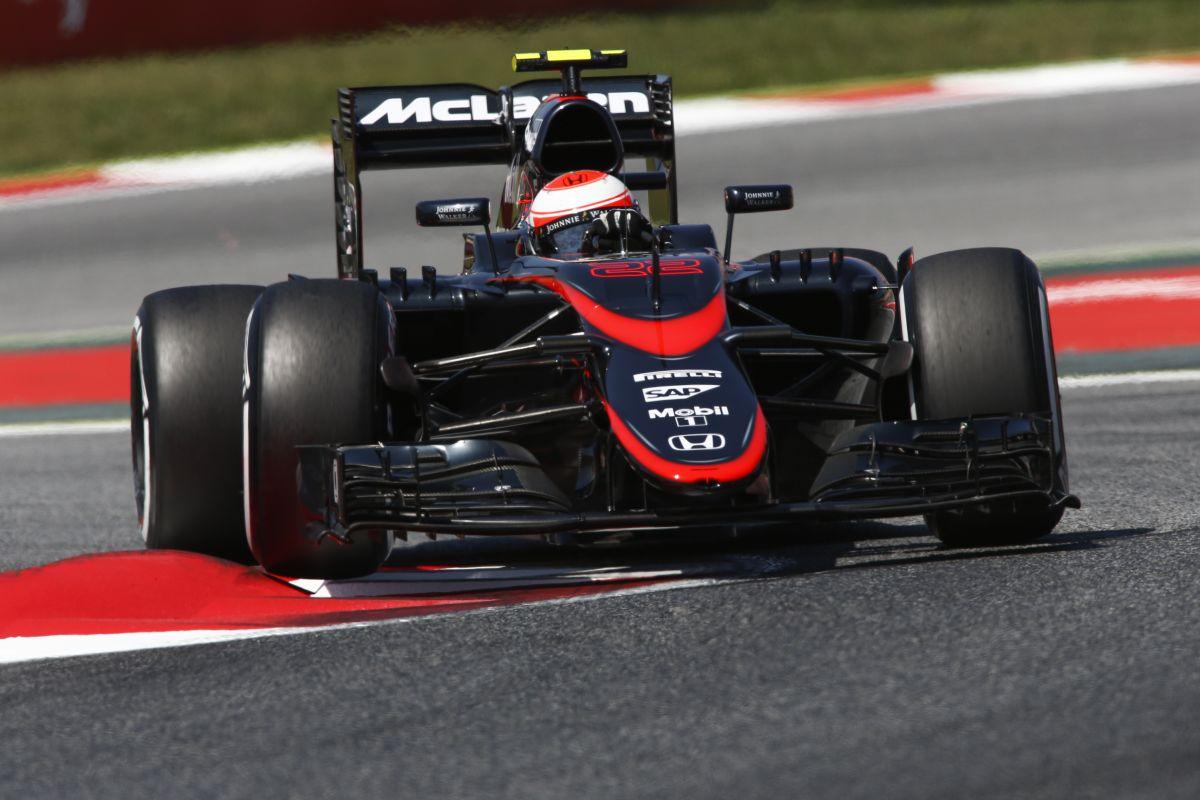 Ijesztő futam a McLarennel: Button ezek után nem vár pontot, egész évben