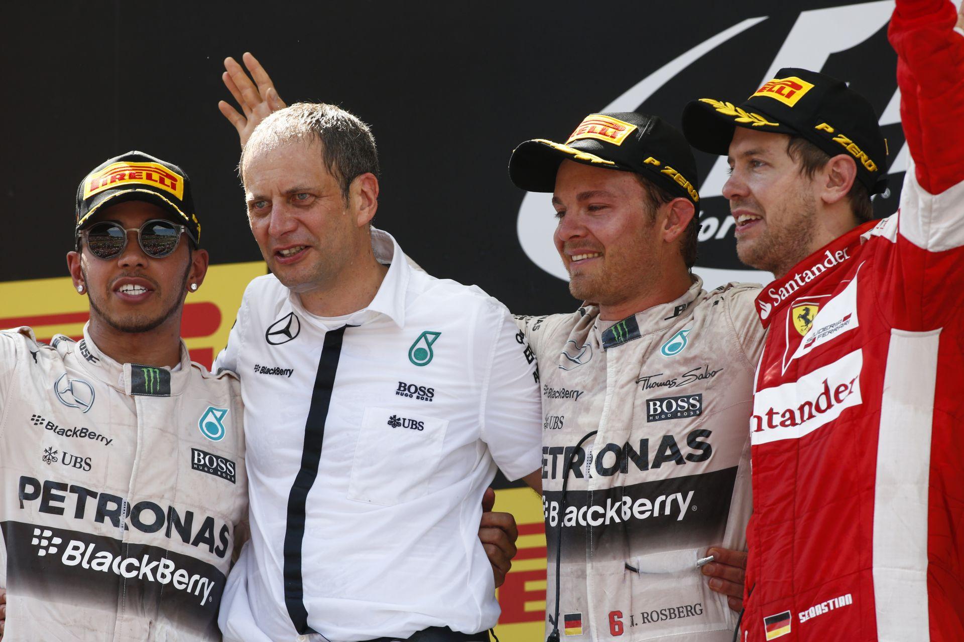 Hamilton: A karrierem talán csak akkor lesz teljes, ha a Ferrarinál is versenyzem…