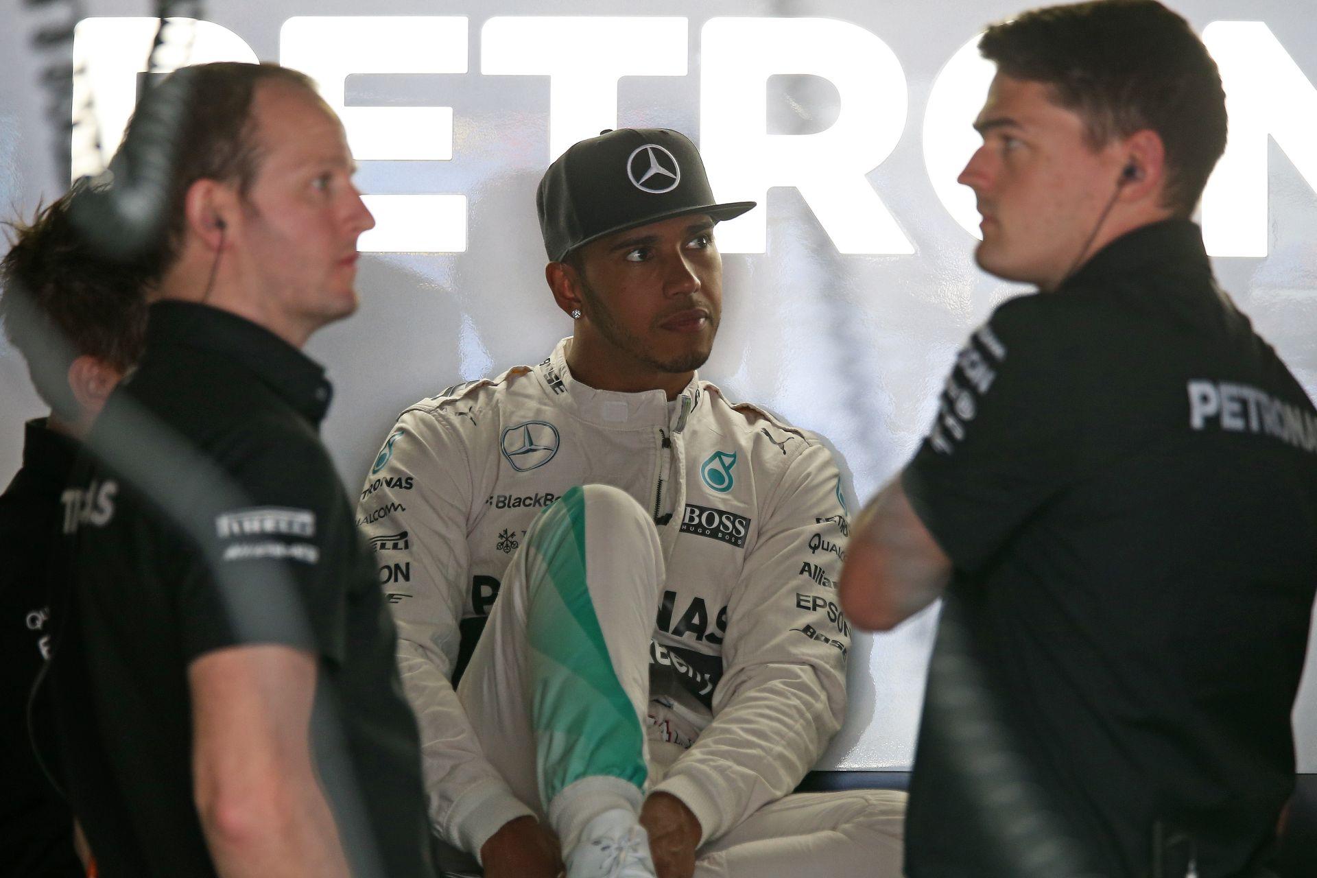 """Amikor már """"beszakad az arcod"""" a Mercedes tempójától: Hamilton szerint több volt a pole-jában"""