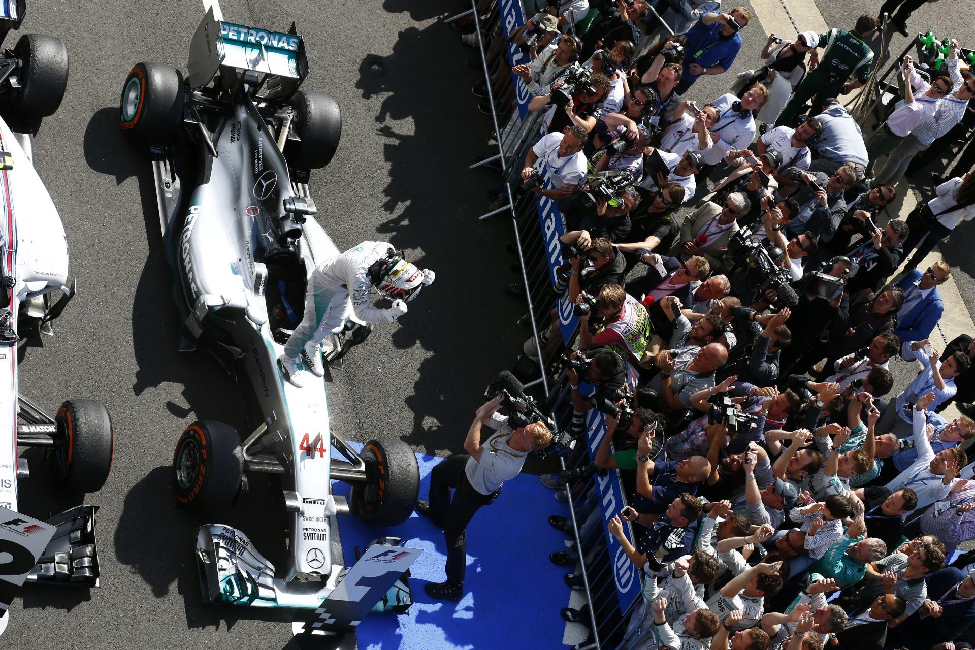 Brit Nagydíj 2014: Hamilton volt a leggyorsabb Vettel és Rosberg előtt