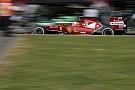 Raikkonen sértetlenül szállt ki a Ferrariból, ami majdnem kettétört: Alonsót többen is