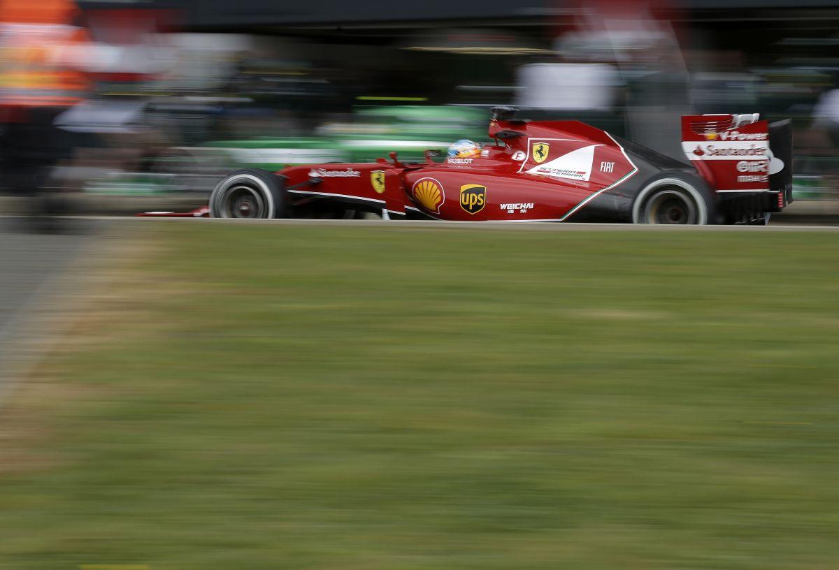 """Raikkonen sértetlenül szállt ki a Ferrariból, ami majdnem kettétört: Alonsót többen is """"beköpték"""""""
