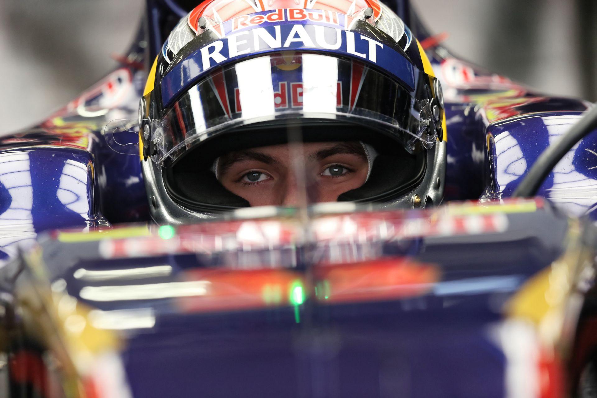 Így vezet egy 17 éves F1-es versenyző Kínában: Verstappen, Toro Rosso, Sanghaj