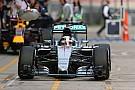 A Mercedes nagyon csúnyán elverte a mezőnyt a kínai időmérőn: Hamilton pole, Rosberg, Vettel! Megint sehol nincs a McLaren