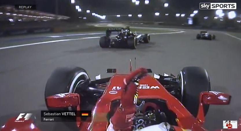 Sumákol a Ferrari?! Rosszul tették volna fel az első kereket, a többieknek gyanús a dolog