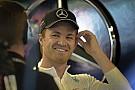 Hamilton újabb csatát vesztett Rosberg ellen, aki megszerezte a rajtelsőséget Kanadában! A Ferrari eltűnt…