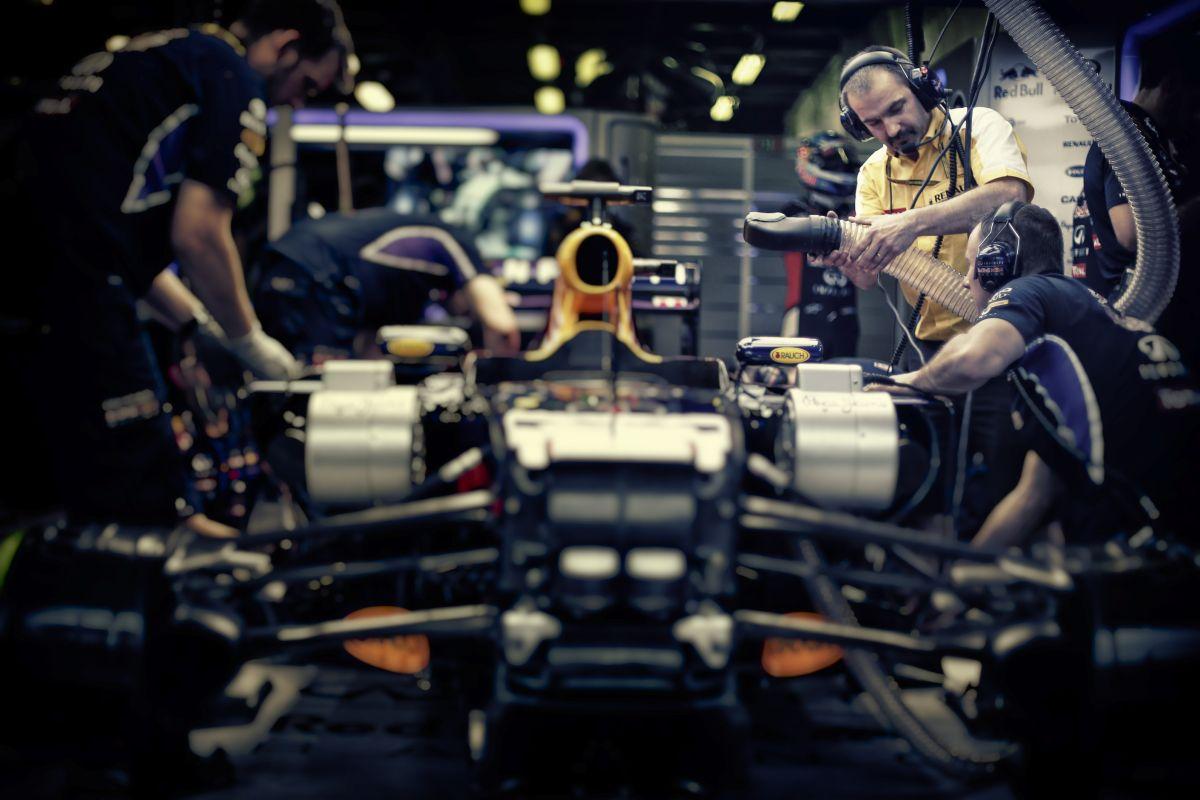 """A végén még motorszállító lesz a Red Bull: """"baráti"""" csapat, mérges Ferrari és Mercedesz?"""