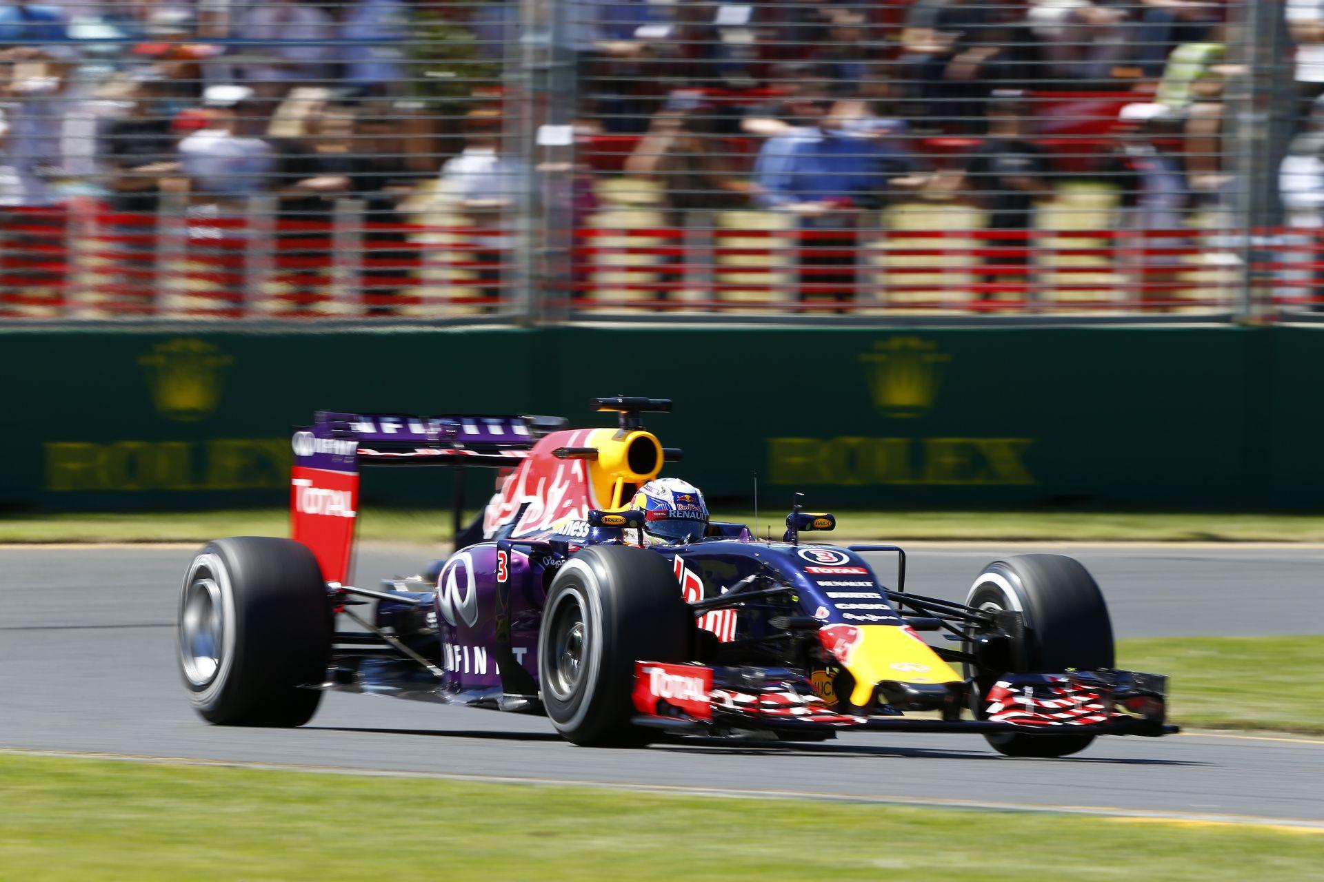Motorcsere a Red Bullnál!