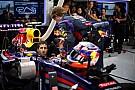 Vettelnek meg kell dolgoznia a pénzéért: Ricciardo örül, hogy részben ő az oka ennek