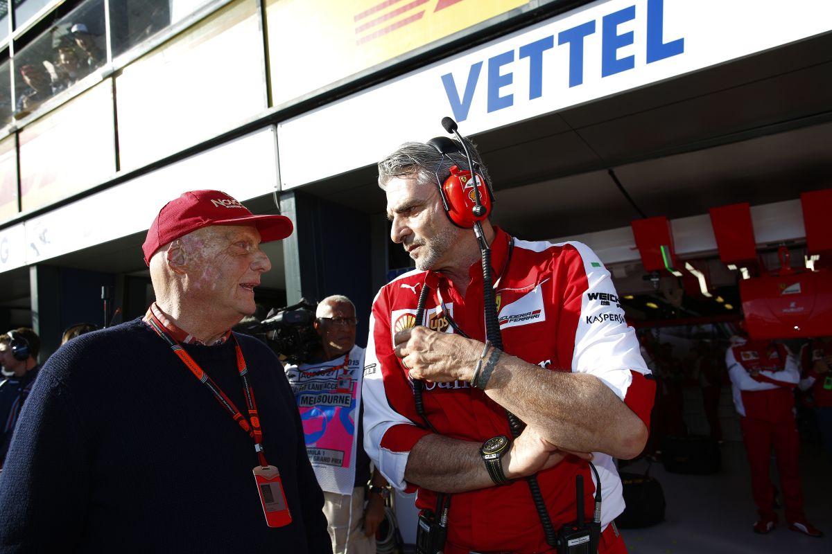 Ferrari: két versenyző kell a csapatnak, nem állunk az egyik oldalára