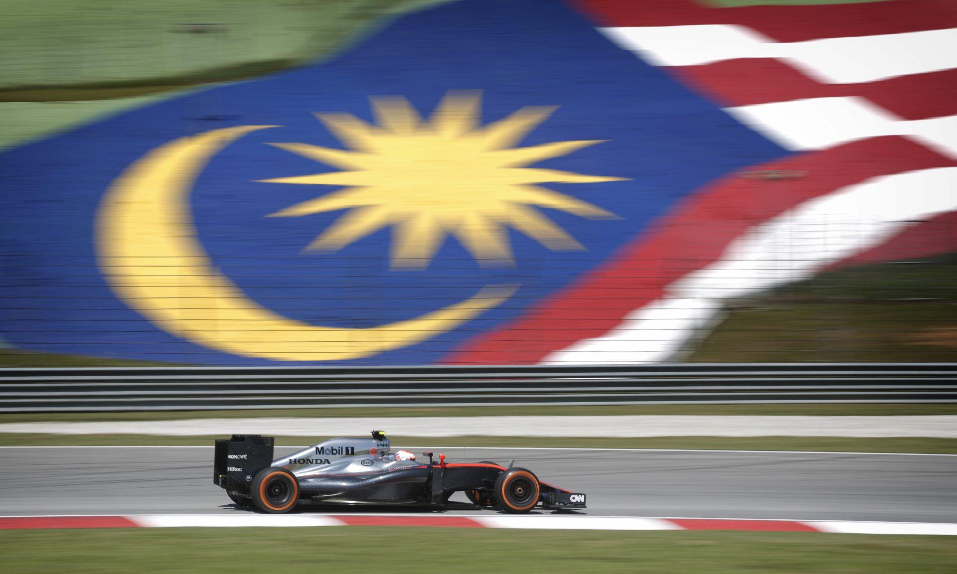 Button: Még mindig nem tudni, hogy mekkora a potenciál a McLaren-Hondában