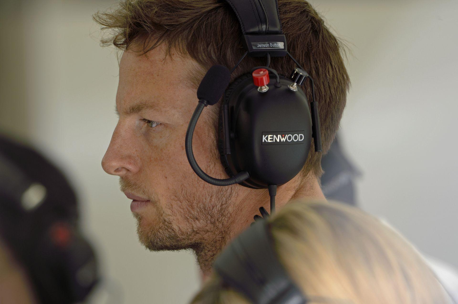 Button: Iszonyatosan gyors a Mercedes…
