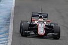 Ma pályára gurul a módosított McLaren-Honda Barcelonában