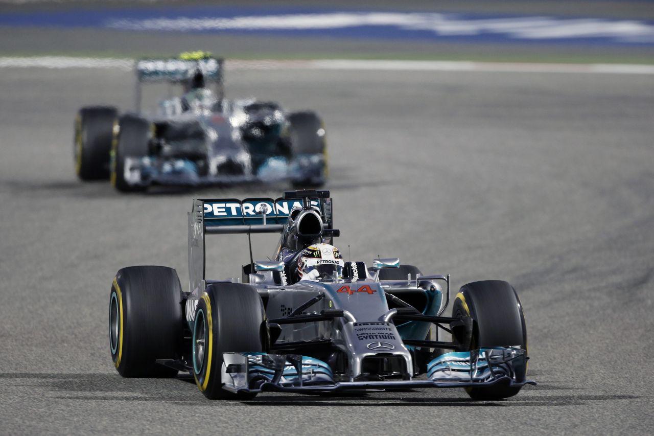 A Mercedes nem akar oldtimereket: szabályváltozás a Ferrari és a Renault problémái miatt?