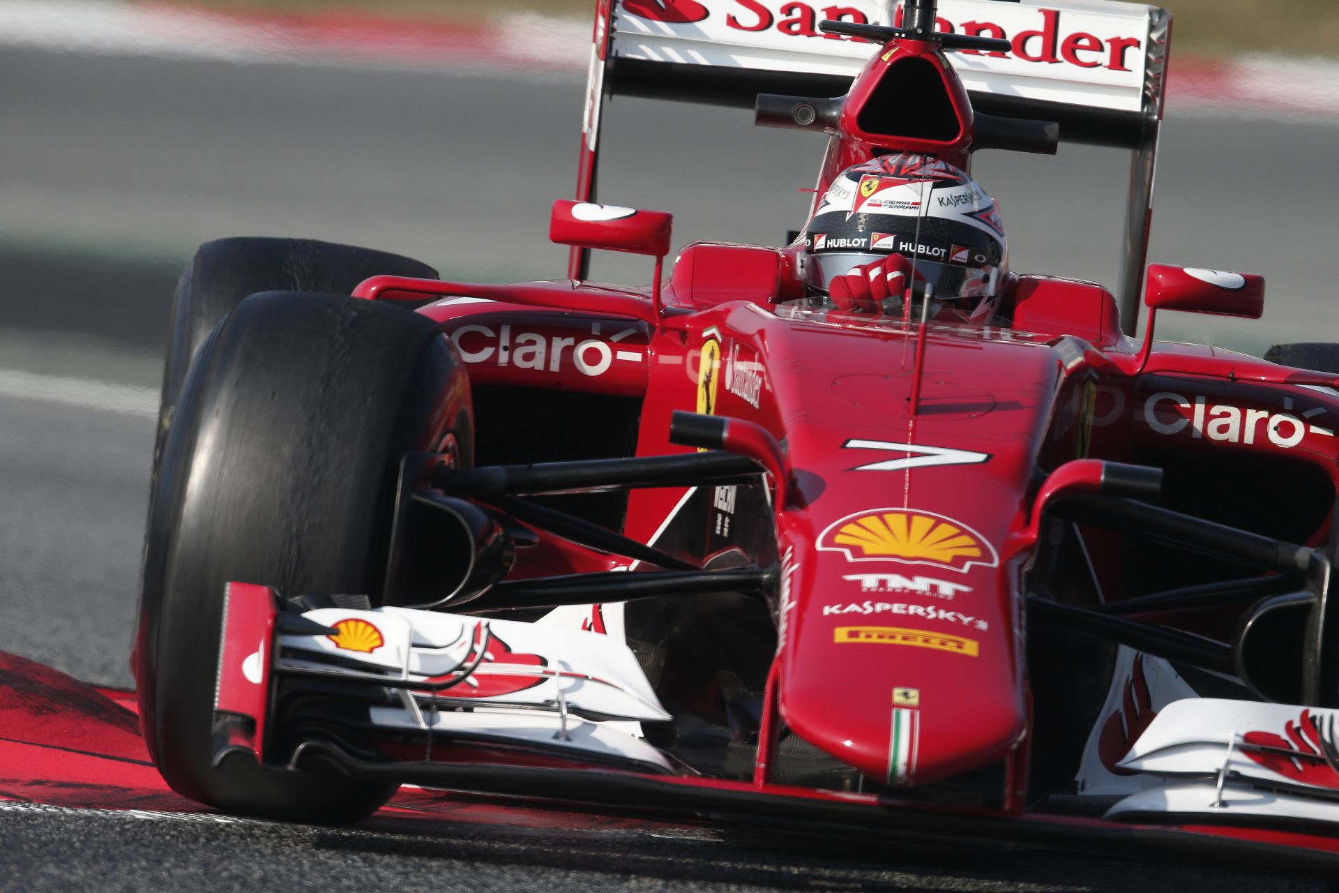 Ricciardo egy hajszállal végzett az élen Raikkönen és Massa előtt a második barcelonai tesztnapon