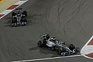 Hamilton nem nyugodhat, Rosberg le akarja vadászni: építő jellegű versenyzés a Mercedesnél