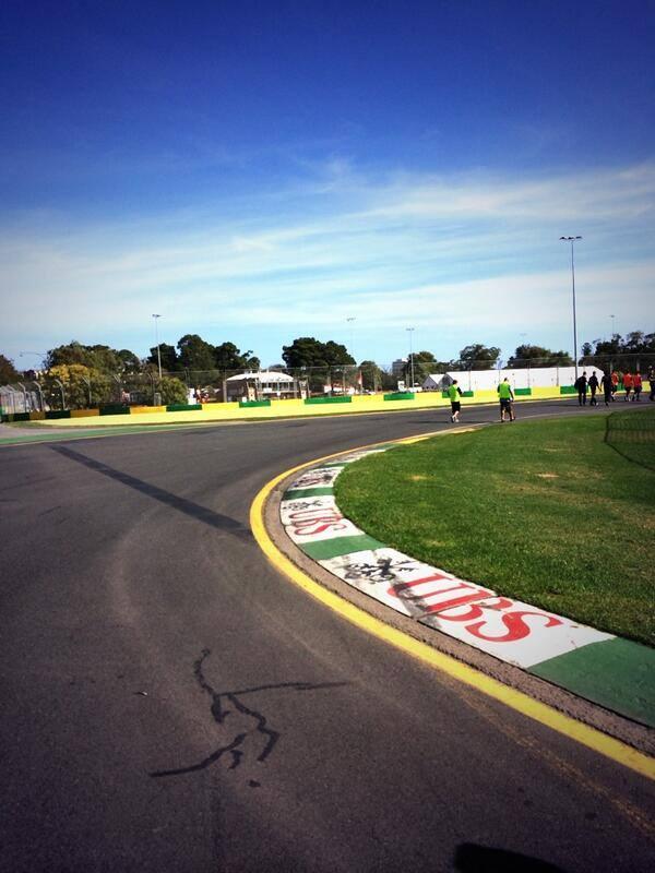 Ausztrál Nagydíj 2014: Képek a Williams pályabejárásáról