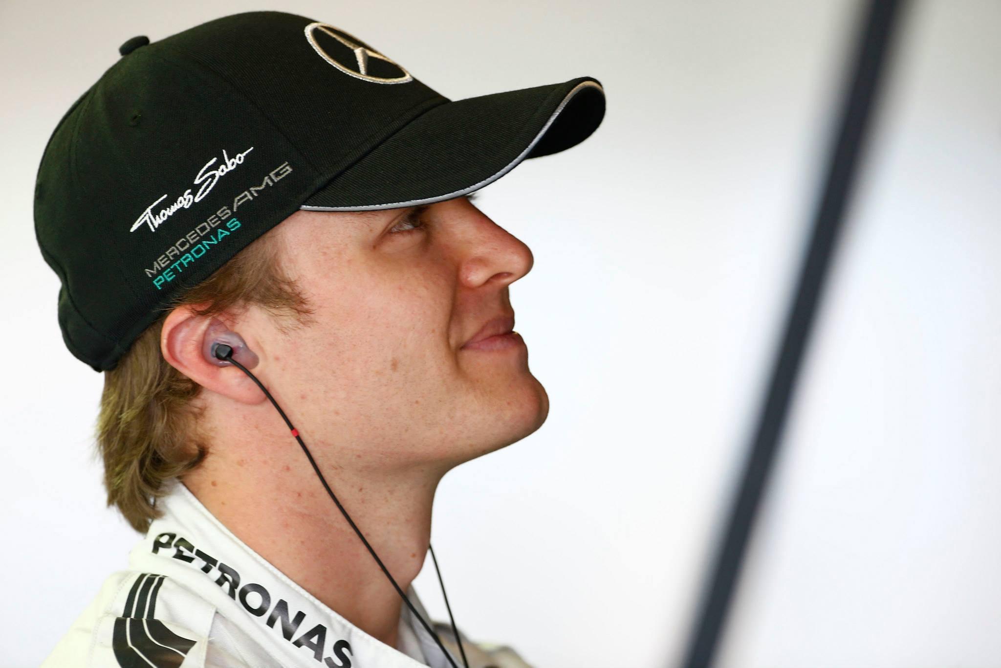 Rosberg volt a leggyorsabb az időmérő előtt, 5 helyes rajtbüntetést kapott a Williams