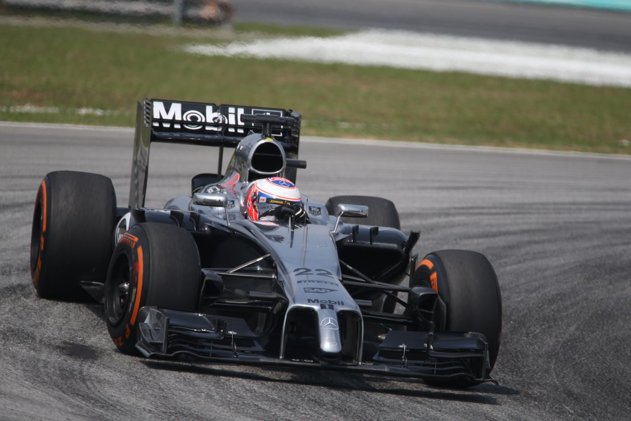Gőzerővel fejleszt a McLaren: csak így lehet elkapni a Mercedest