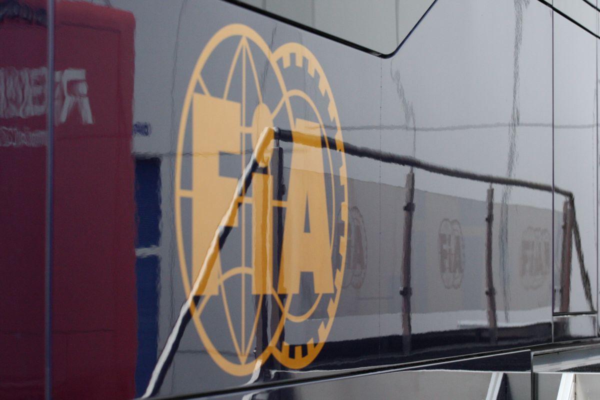 Az FIA mindent lát: szigorúbban figyelik, hogy valaki lassított-e sárga zászló alatt