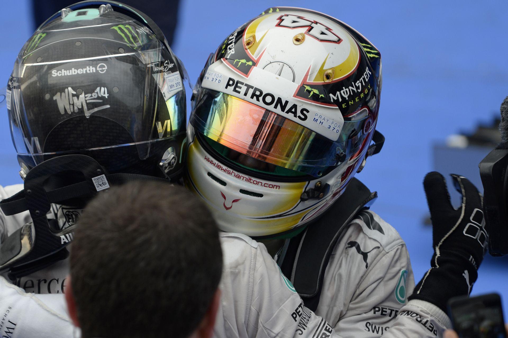 Hamilton: Soha ezelőtt nem vezettem még ilyen jó autót!