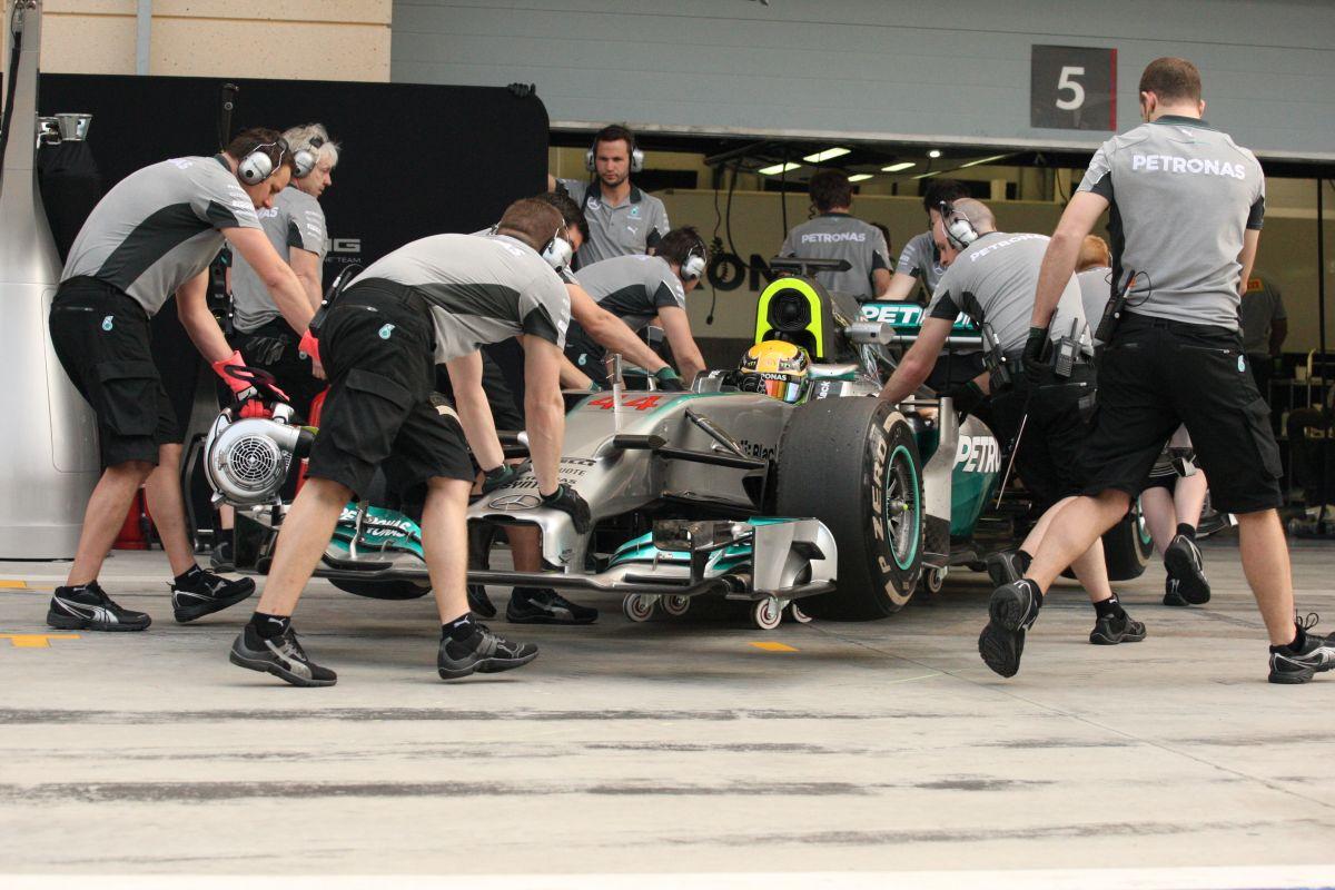 Problémás nap a Mercedesnél: inkább most, mint a futamon