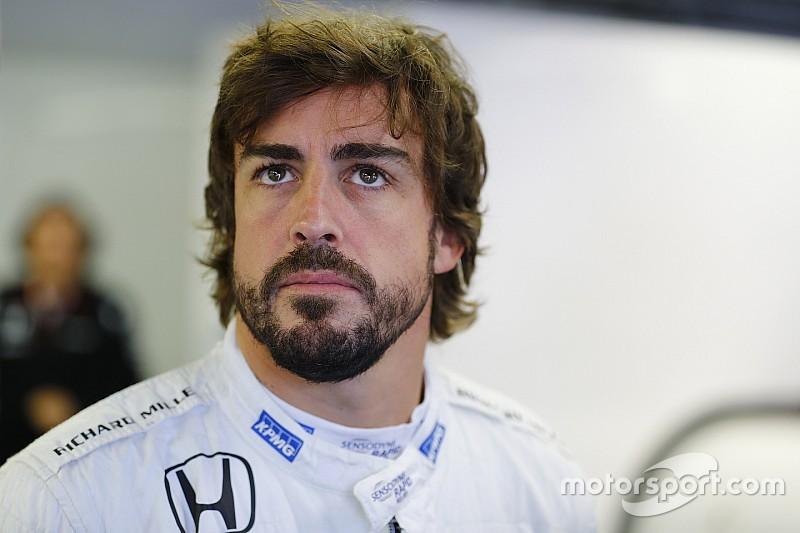 ألونسو يحثّ فريقه على مواصلة تطوير السيارة الحاليّة