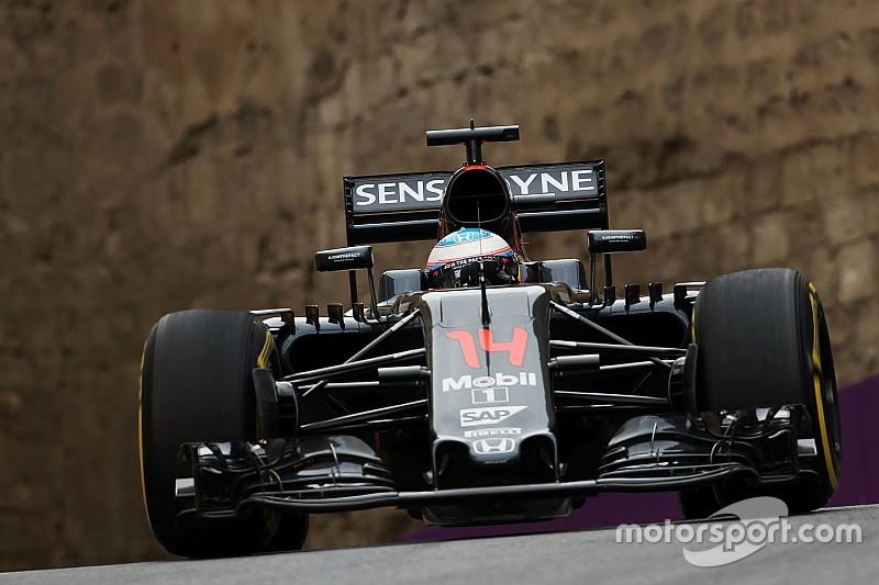 Алонсо рассказал о потерях McLaren на главной прямой