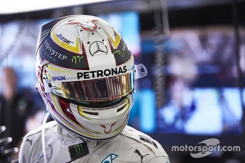 """Hamilton: """"Continuavo a guardare il volante e mi sentivo un idiota!"""""""