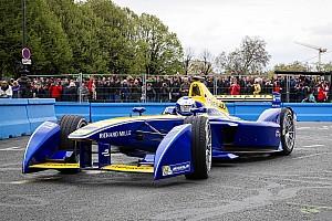 Formula E Yarış raporu Londra ePrix: Prost rahat kazandı, di Grassi şampiyona liderliğini arttırdı