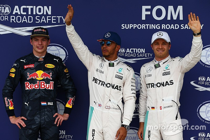 Hamilton marca territorio con la pole en Silverstone