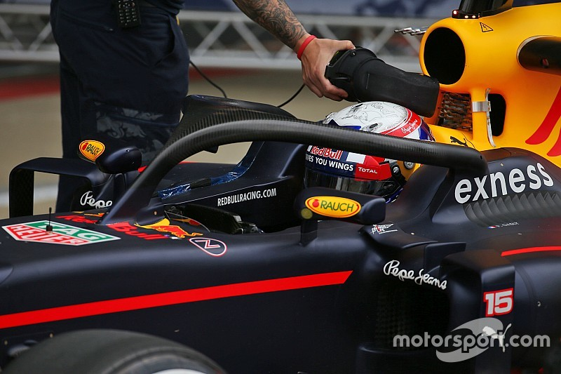 Bildergalerie: Red Bull Racing testet Halo am Formel-1-Auto