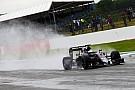 Alonso blijft snelste in Silverstone na verregende middagsessie