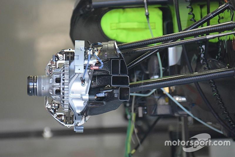 Breve análisis técnico: montaje de los frenos delanteros del VJM09