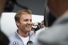 Rosberg renueva con Mercedes