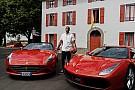 Kobe Bryant visita Ferrari en Maranello