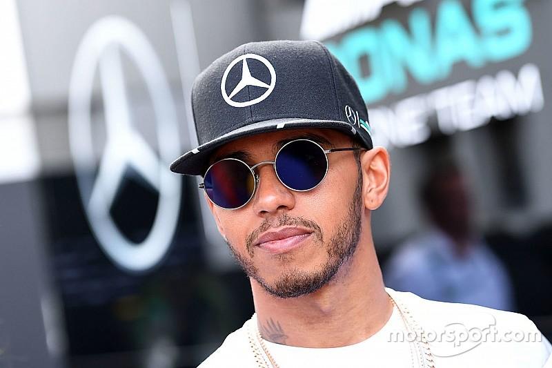 Mercedes вибачається за розмову Хемілтона з Вайтінгом