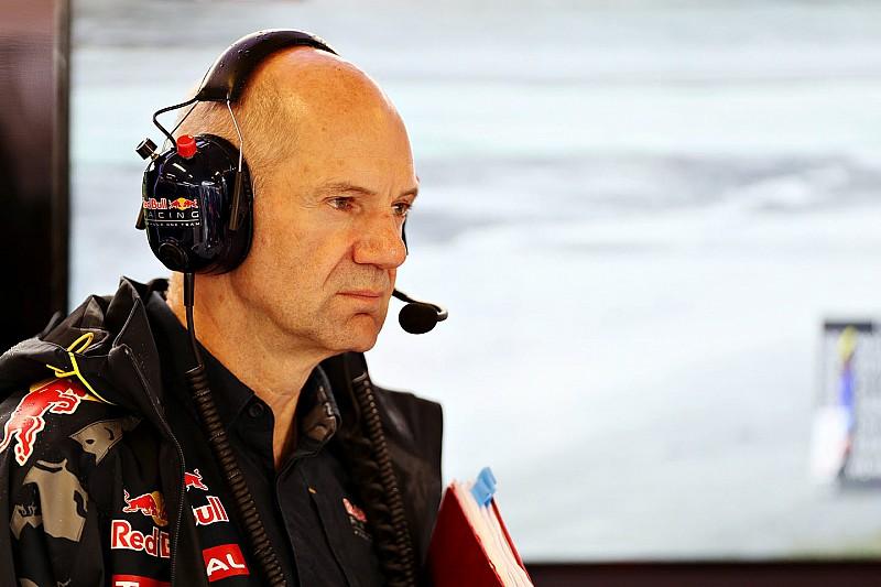 Red Bull espera que Adrian Newey juegue un papel importante en 2017