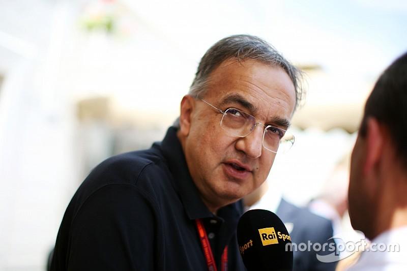 """Президент Ferrari пригрозил увольнением """"неуспевающим"""" членам команды"""