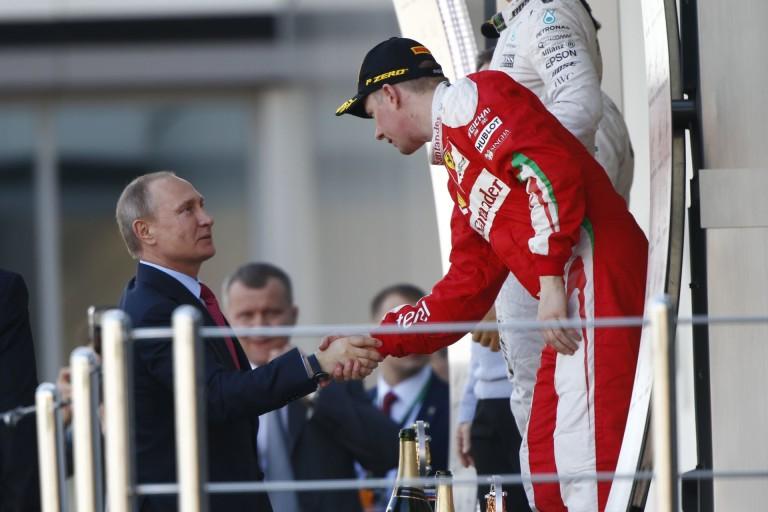 Raikkönen és Putyin: mintha világi haverok lennének