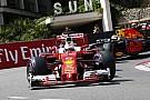 Vettel sem akar kimaradni a buliból: érintőre vette a korlátot az 1-esben