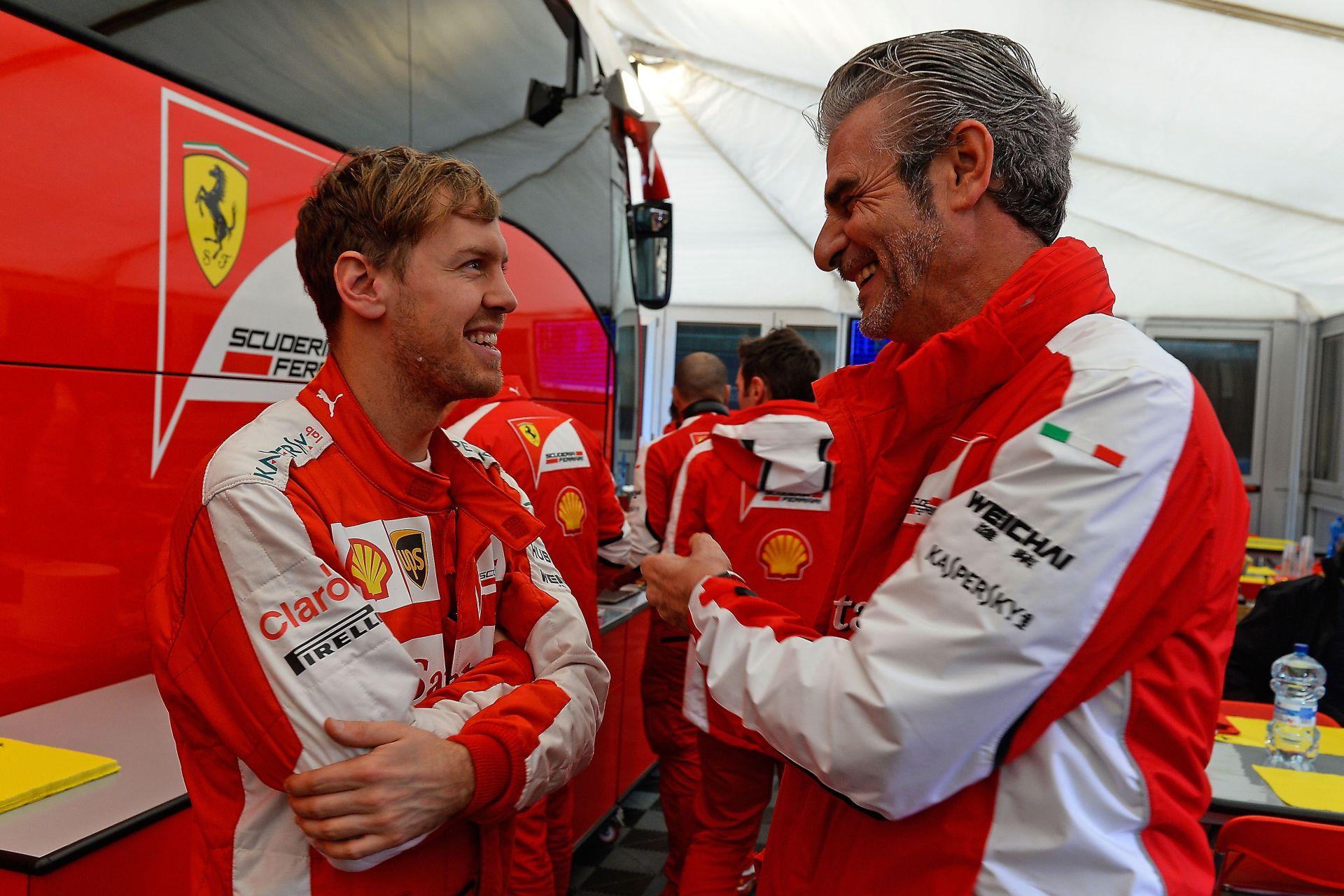 Egy bátorító ölelés Vettelnek a főnökétől Monte Carlóban!
