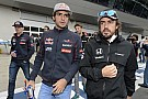 Alonso és Sainz már be is járta a pályát Bakuban